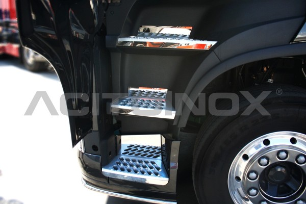 Applicazioni Pedaliera e Gradini | Volvo FH4