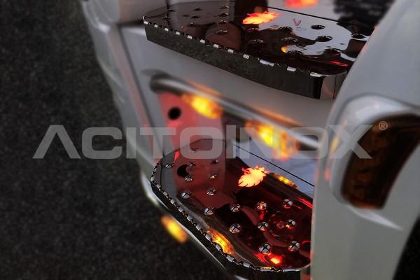 Rivestimento Gradini Cabina con Grifone Illuminante